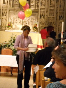RIFFING OFF OF MARY POPPINS, MS. LAMOTT OFTEN ARRIVES AT ENGAGEMENTS VIA BALLOON photo courtesy of