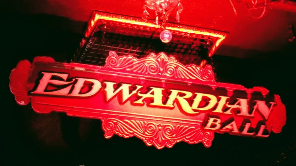 Ewardian Ball Sign LA